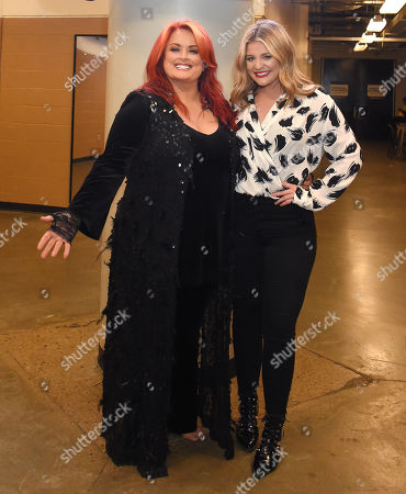 Wynonna Judd and Lauren Alaina