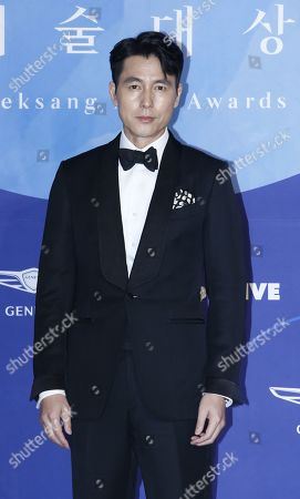 Jung Woo-sung poses as he arrives for the 55th annual Baeksang Art Awards at the Coex mall in Seoul, South Korea, 01 May 2019. The award ceremony for the BaekSang Arts Awards is a comprehensive art prize that focuses on screenings of movies, TV, and other works of popular culture among the public.