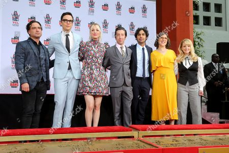 """Johnny Galecki, Jim Parsons, Kaley Cuoco, Simon Helberg, Kunal Nayyar, Mayim Bialik, Melissa Rauch. Johnny Galecki, from left, Jim Parsons, Kaley Cuoco, Simon Helberg, Kunal Nayyar, Mayim Bialik and Melissa Rauch, cast members of the TV series """"The Big Bang Theory,"""" pose at a hand and footprint ceremony at the TCL Chinese Theatre on at in Los Angeles"""