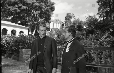Stock Photo of Patrick McGoohan as Number Six and Guy Doleman as Number Two
