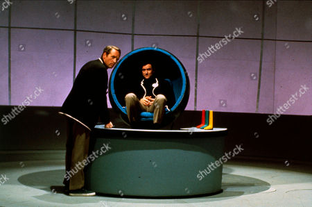 Patrick McGoohan as Number Six and Guy Doleman as Number Two
