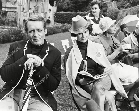 Patrick McGoohan as Number Six and Virginia Maskell as The Woman
