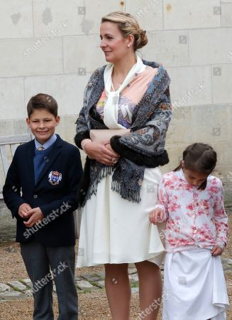 Princess Philomena, the Countess of Paris (C) with her children Prince Gaston d'Orleans and Princess Antoinette before a ceremony to commemorate the 500th anniversary of the death of Italian Renaissance painter and scientist Leonardo da Vinci at the Chateau d'Amboise, in Amboise, France, 02 May 2019.