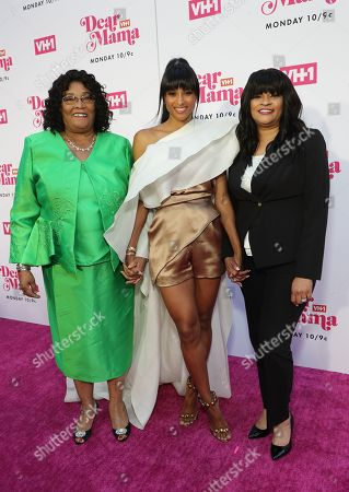Ciara with grandmother Gladys and mother Jackie Harris