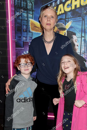 Stock Photo of Cynthia Nixon with Family