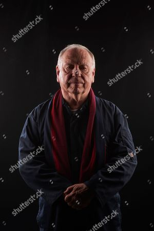 Kenneth Cranham as Brian Reader.