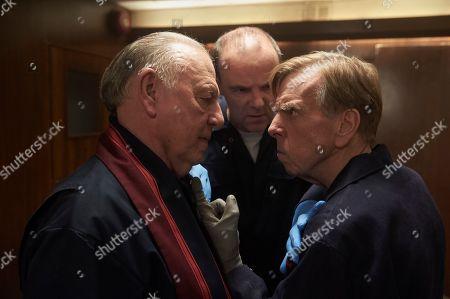 Kenneth Cranham as Brian Reader, Brian F O'Byrne as Basil and Timothy Spall as Terry Perkins.