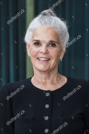 Ali MacGraw in the front row