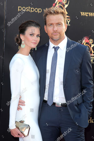 Stock Picture of Lauren Michelle Hill and Sean Patrick Flanery