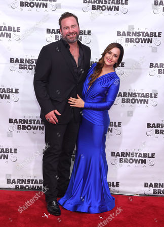 Stock Picture of Lee Brice and Sara Reeveley