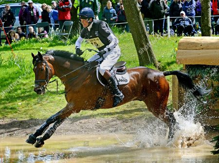 William Fox-Pitt on 'Little Fire' taking part in the Cross Country competition