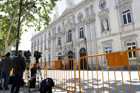 General view of Spanish Supreme Court in Madrid, Spain, 05 May 2019. Several judges of the High Court hold a session to decide if former Catalan regional President Carles Puigdemont, and former Catalan regional ministers Antoni Comin and Clara Ponsati, Catalan fugitive politicians requested by Spanish justice for their alleged participation in Catalan pro-independence referendum held on 01 October 2017, can stand for European Parliament election next 26 May.