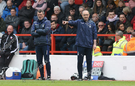 Nottingham Forest Manager Martin O'Neill shouts ins ructions whilst assistant Roy Keane watches on