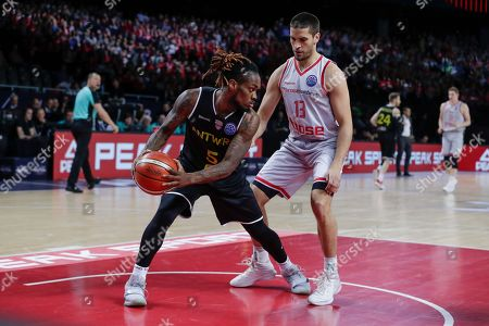 Paris Lee of Telenet Giants Antwerp (L) and Daniel Schmidt of Brose Bamberg  fight for the ball during the third place match between German team Brose Bamberg and Belgian team Telenet Giants Antwerp at the basketball Final Four Champions League tournament in Antwerp, Belgium, 05 May 2019.