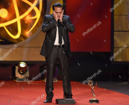 """Maurice Benard accepts the award for outstanding lead actor in a drama series for """"General Hospital"""" at the 46th annual Daytime Emmy Awards at the Pasadena Civic Center, in Pasadena, Calif"""