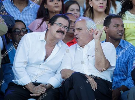 The Former President of Honduras Manuel Zelaya (L) and former President of Colombia Ernesto Samper (2-R) converse as Former President of the Dominican Republic and President of the ruling Dominican Liberation Party (PLD) Leonel Fernandez (not pictured) speaks during an event in Santo Domingo, Dominican Republic, 05 May 2019. During the event Fernandez reiterated his rejection of an possible constitutional reform that allows President Danilo Medina to opt for a third consecutive term in 2020.