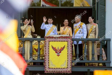 (L-R) Thai Princess Sirivannavari Nariratana, Thai Prince Dipangkorn Rasmijoti, Thai Princess Bajrakitiyabha, Thai King Maha Vajiralongkorn Bodindradebayavarangkun and Thai Queen Suthida greet well-wishers from a balcony of the Suddhaisavarya Prasad Hall in the Grand Palace as part of the monarch's the royal coronation ceremony in Bangkok, Thailand, 06 May 2019. The three-day ancient elaborate traditional coronation ceremonies of Thai King Maha Vajiralongkorn is a formal ceremony to complete the monarch's accession to the throne.