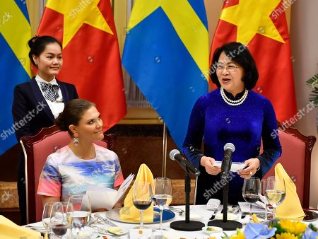 Crown Princess Victoria and the Vice President of Vietnam Mrs. Dang Thi Ngoc Thinh during a dinner in Hanoi