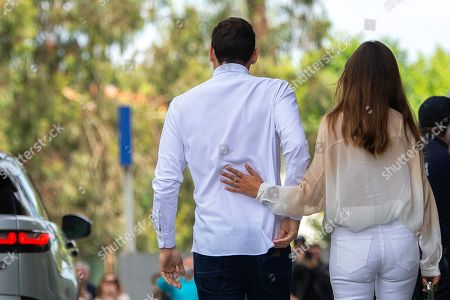 FC Porto's Spanish goalkeeper Iker Casillas (L) and his wife Sara Carbonero (R) leave the CUF Hospital in Porto, Portugal, 06 May 2019. Casillas was hospitalized since 01 May 2019 after suffering a heart attack during his team's training session.
