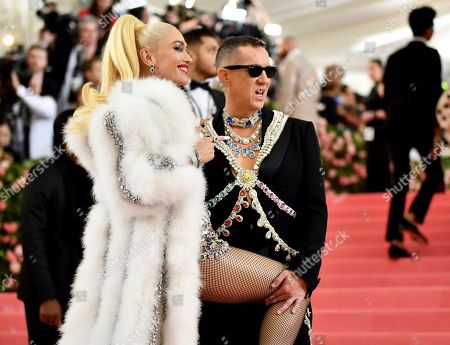 "Gwen Stefani, Jeremy Scott. Gwen Stefani, left, and designer Jeremy Scott attend The Metropolitan Museum of Art's Costume Institute benefit gala celebrating the opening of the ""Camp: Notes on Fashion"" exhibition, in New York"