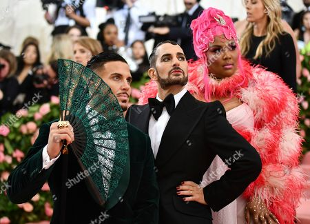 "Char Defrancesco, Marc Jacobs, Lizzo. Char Defrancesco, from left, Marc Jacobs and Lizzo attend The Metropolitan Museum of Art's Costume Institute benefit gala celebrating the opening of the ""Camp: Notes on Fashion"" exhibition, in New York"