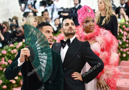 "Char Defrancesco, Marc Jacobs, Lizzo. Char Defrancesco, from left, designer Marc Jacobs and Lizzo attend The Metropolitan Museum of Art's Costume Institute benefit gala celebrating the opening of the ""Camp: Notes on Fashion"" exhibition, in New York"