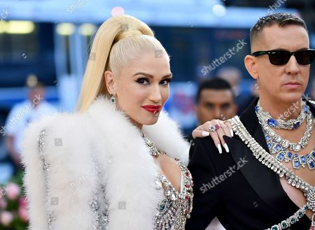 "Gwen Stefani, Jeremy Scott. Gwen Stefani, left, and Jeremy Scott attend The Metropolitan Museum of Art's Costume Institute benefit gala celebrating the opening of the ""Camp: Notes on Fashion"" exhibition, in New York"