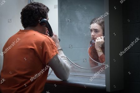 Zac Efron as Ted Bundy and Lily Collins as Liz Kendall
