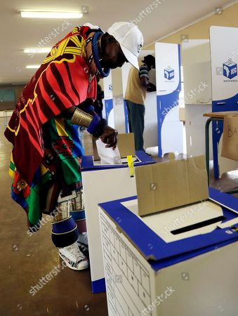 Esther Mahlangu, a contemporary South African artist, casts her vote in presidential and parliamentary elections at a polling station at KwaMhlanga in Mpumalanga, South Africa, . South Africans have started voting in presidential and parliamentary elections amid issues of corruption and unemployment. It is 25 years after the end of apartheid, but despite the demise of the system of racial discrimination the country remains divided by economic inequality