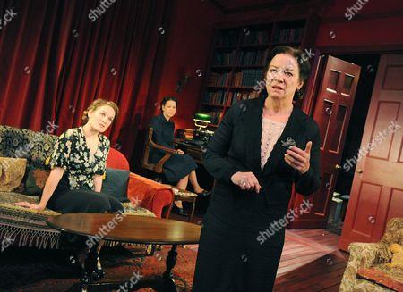 Zoe Waites ( Melitta )  Nicola Walker ( Paula )  Clare Higgins ( Mrs Klein )