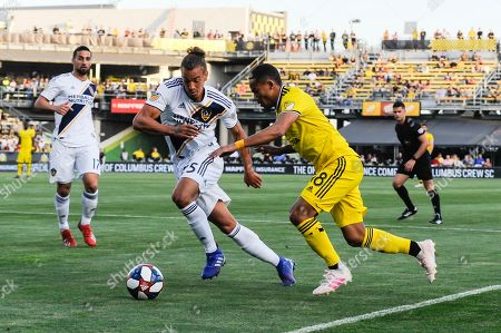 Columbus Crew SC forward Robinho (18) charges forward with the ball in the first half of the match between Los Angeles Galaxy and Columbus Crew SC at MAPFRE Stadium, in Columbus OH. Mandatory Photo Credit: Dorn Byg/Cal Sport Media. ..Los Angeles Galaxy 0 - Columbus Crew SC 1