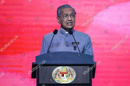 Malaysian Prime Minister Mahathir Mohamad speaks during a special address to mark the one year anniversary of the new Malaysia Government in Putrajaya, Malaysia, 09 May 2019. Malaysia celebrates one year since the Pakatan Harapan (Alliance of Hope coalition) government, led by Mahathir, swept to power after it dislodged former Prime Minister Najib Tun Razak in a tight electoral race