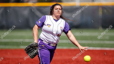 Northern Iowa's Jaclyn Spencer delivers against Loyola during an NCAA softball game on in Chicago
