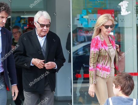 Spanish former Prime Minister Felipe Gonzalez (L) accompanied by his wife Mar Garcia Vaquero (L) leaves the Hospital Universitario Puerta de Hierro after visiting former PSOE's party leader Alfredo Perez Rubalcaba, in Madrid, Spain, 09 May 2019. Rubalcaba suffered a brain aneurysm on 08 May 2019 and doctors have assessed his condition as extremely serious.