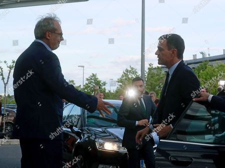 Spanish Prime Minister, Pedro Sanchez (R), arrives at the Hospital Universitario Puerta de Hierro for visiting former PSOE's party leader Alfredo Perez Rubalcaba, in Madrid, Spain, 09 May 2019. Rubalcaba suffered a brain aneurysm on 08 May 2019 and doctors have assessed his condition as extremely serious.