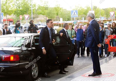 Spanish Prime Minister, Pedro Sanchez (L), arrives at the Hospital Universitario Puerta de Hierro for visiting former PSOE's party leader Alfredo Perez Rubalcaba, in Madrid, Spain, 09 May 2019. Rubalcaba suffered a brain aneurysm on 08 May 2019 and doctors have assessed his condition is extremely serious.