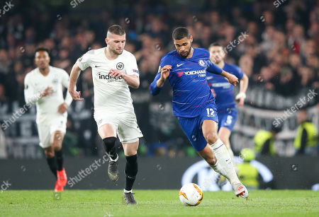 Ruben Loftus-Cheek of Chelsea breaks away from  Ante Rebic of Eintracht Frankfurt