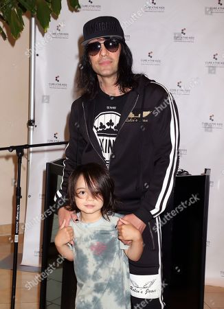 Criss Angel, Johnny Crisstopher