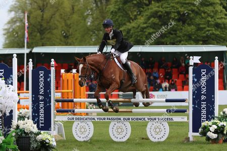 UNDER OATH ridden by Fox-Pitt, William during the Dodson and Horrell International Horse Trials at Chatsworth, Bakewell