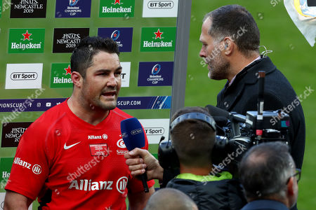Saracens captain Brad Barritt speaks to Martin Bayfield after the game