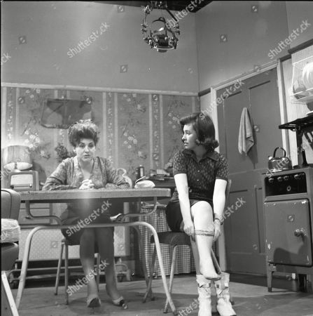 Pat Phoenix (as Elsie Tanner) and Eileen Mayers (as Sheila Birtles)