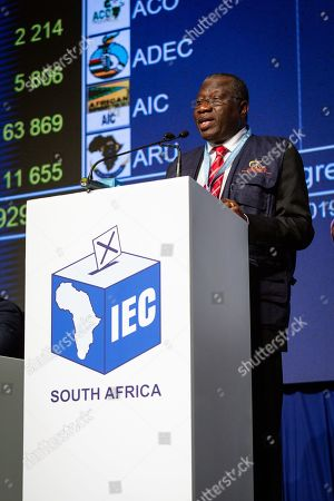 Former President of Nigeria Goodluck Jonathan provides commentary and feedback on the South African electoral process at the Independent Electoral Commission (IEC) results center in Pretoria, 10 May 2019. With the majority of the votes counted, official results are expected to be announced 11 May 2019.