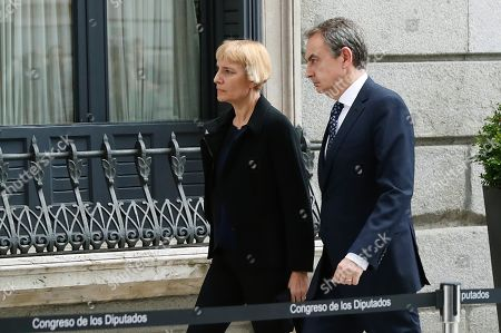 Spanish former Prime Minister Jose Luis Rodriguez Zapatero (R) and his wife Sonsoles (L) arrive at the funeral chapel of former PSOE's party leader Alfredo Perez Rubalcaba, set up at the Lower House in Madrid, Spain, 10 May 2019. Alfredo Perez Rubalcaba, former vicepresident of the Spanish socialist party, passed away on 10 May in Madrid after suffering a stroke two days earlier.EFE/ J.p. Gandúl