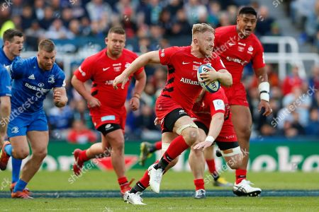 Jackson Wray of Saracens goes on the attack