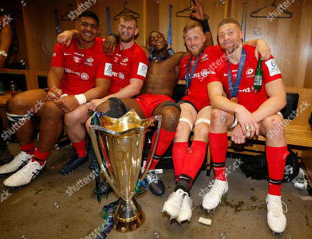 Saracens forwards (l-r) Will Skelton, George Kruis, Maro Itoje, Jackson Wray and Nick Isiekwe with the Cup
