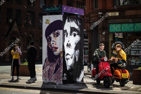 A mural depicting musician Ian Brown has been painted by artist John Culshaw in Stephenson Square.