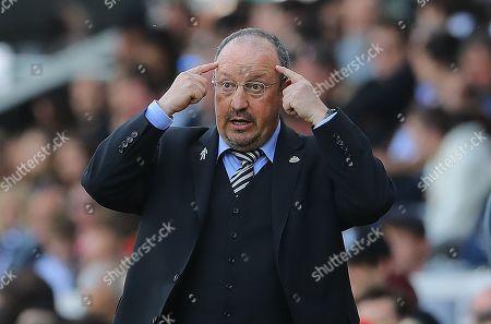 Newcastle United manager Rafa Benitez gestures on the touchline