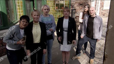 Ep 9780 Monday 27th May 2019 Sally Metclafe, as played by Sally Dynevor, Jenny Connor, as played by Sally Ann Matthews, Sinead Tinker, as played by Katie McGlynn, and Yasmeen Nazir, as played by Shelley King, excitedly take ownership of a beautiful racehorse. After a celebratory drink, the women head outside to admire their new horse only to find it's been replaced by an old nag. Sally realises they've been had.