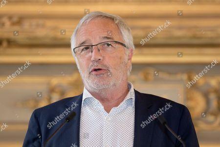 Francois Rebsamen at a reception for international delegations
