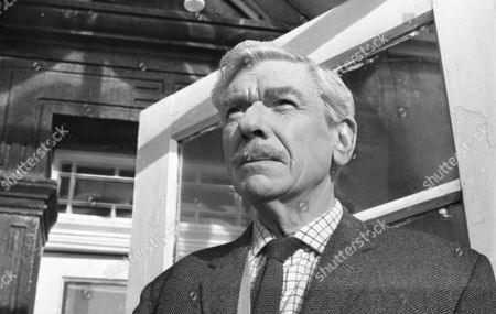 Andre Morell as Piers Collingham